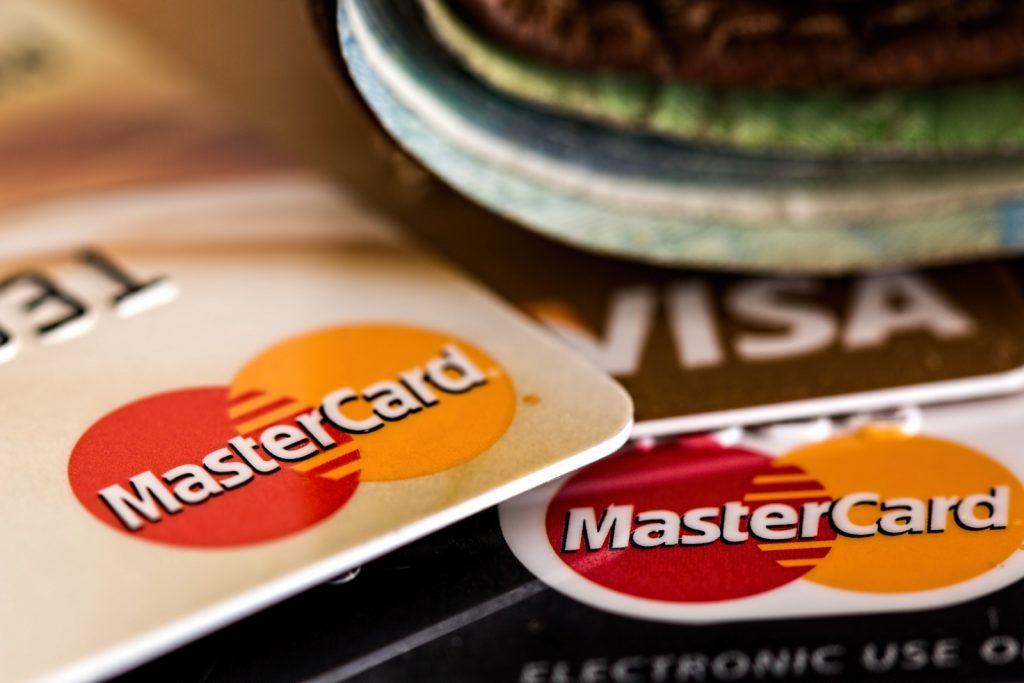 還元率1.5%の最強クレカをApple PayとSuicaで使う方法